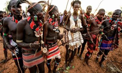 tutsi y mas